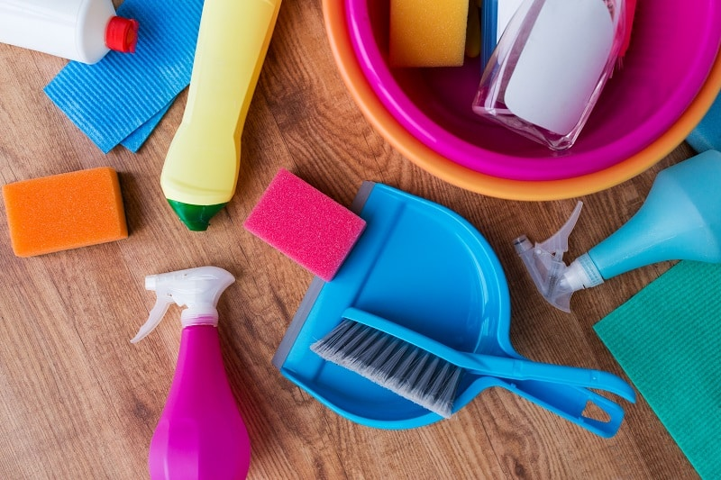 checklist for cleaning your house before selling