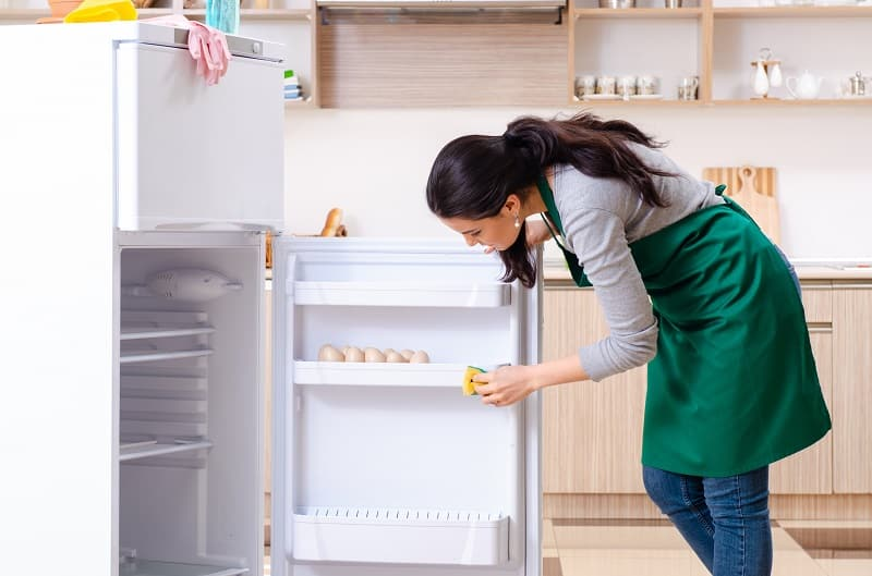 add cleaning appliances to your house cleaning checklist