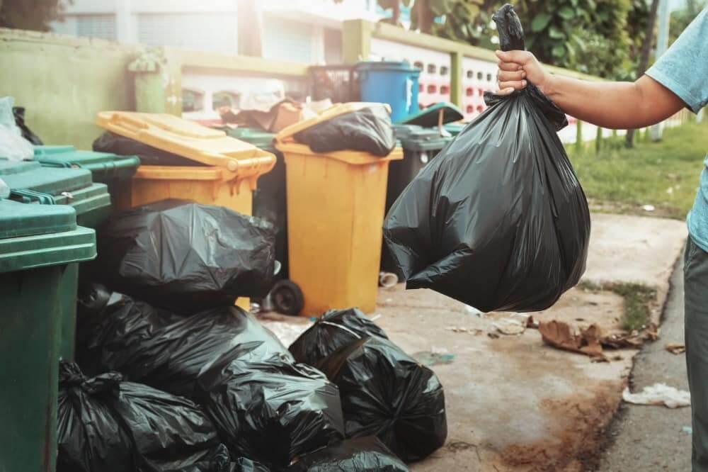 tips on hauling trash yourself