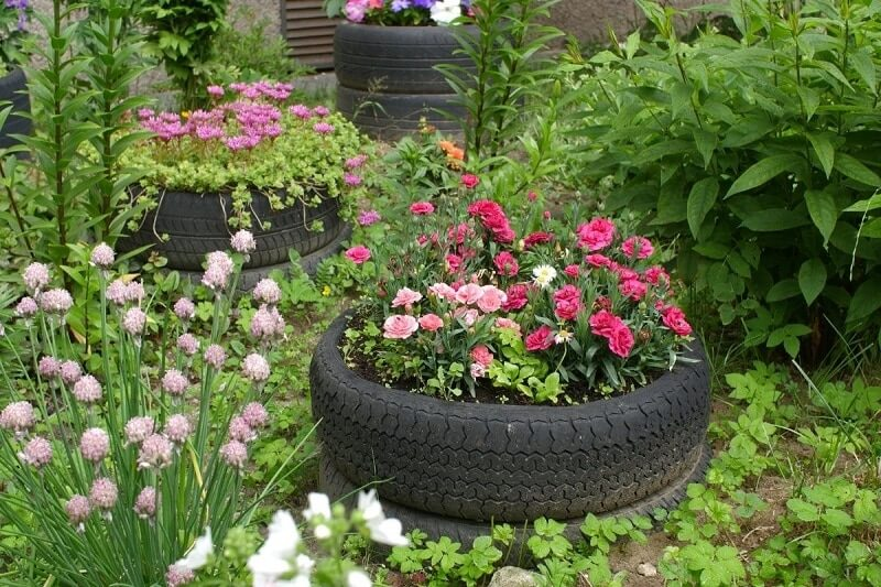 using old tires for garden